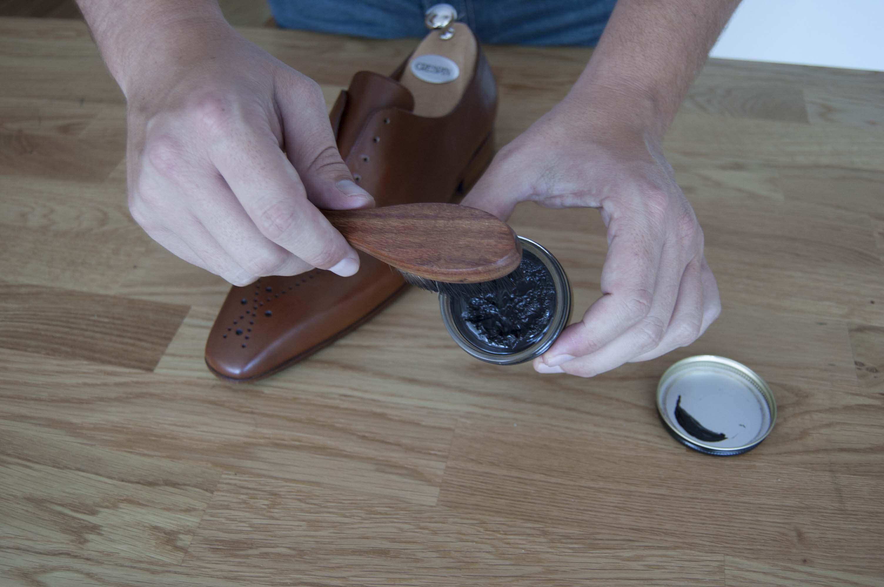Crème de beauté pour chaussures en cuir